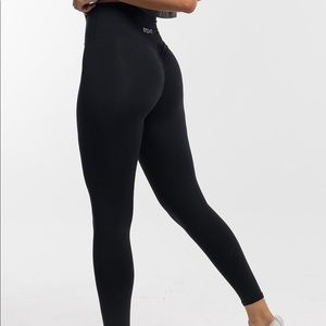 Pants - Black ECHT scrunch bum leggings